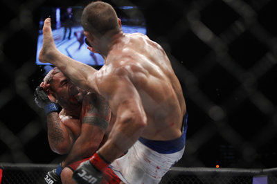 103_mark_hunt_vs_junior_dos_santos