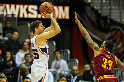 Korver sets record as Hawks beat Cavaliers 89-108
