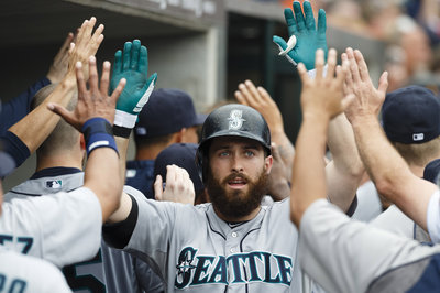 Dustin Ackley wins Mariners' 6-3 loss to Cleveland