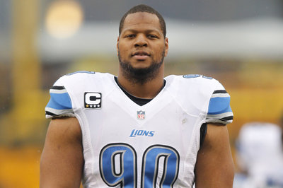 Ndamukong Suh finally picks an agent