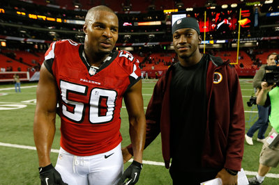 Report: Osi Umenyiora To Remain In Atlanta
