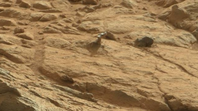 mystery rover curiosity white rock - photo #2