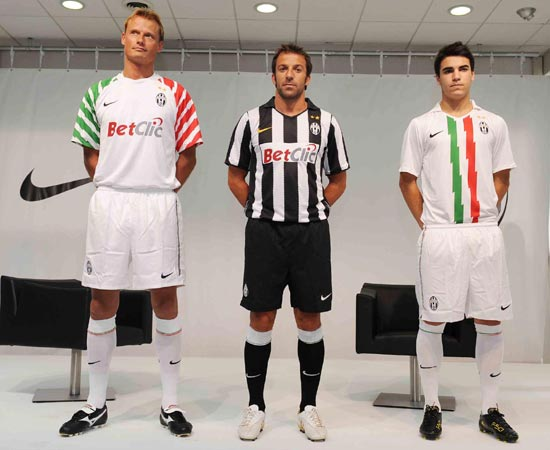 competitive price bce11 74308 Official Juventus Offside Fantasy for 2010-2011 - Black ...